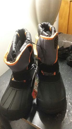 Size 3Y boys snow boots for Sale in Boston, MA