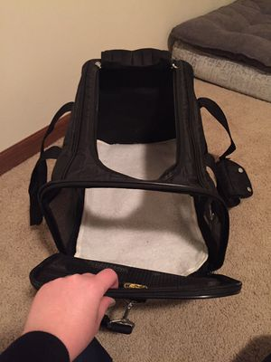 Soft dog carrier carry kennel Sherpa brand for Sale in Lincoln, NE
