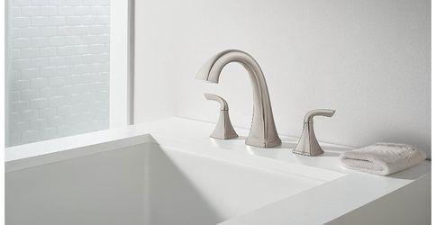 Bathroom Roman Bath Tub Faucet Thumbnail