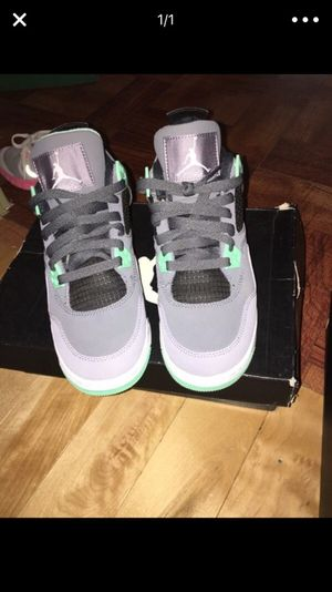 Green glows Jordan size 4 1/2 for Sale in Tampa, FL