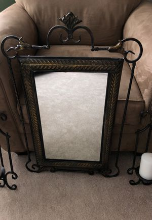 Small mirror for Sale in Brownsburg, IN