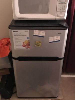 Small refrigerator & freezer for bedroom or living room for Sale in Ashburn, VA