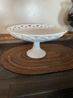 Cake plate pedestal dish Thumbnail