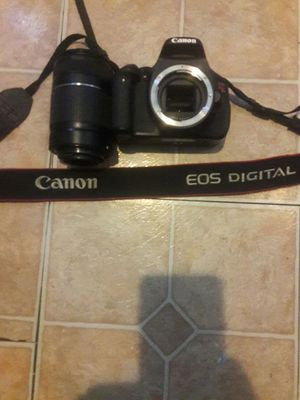 55_250MM CANON CAMERA. VERY LONG LENS for Sale in Seattle, WA