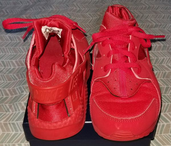 097cbfbb7a3 Red Nike Air Huarache size 3 for Sale in Yonkers, NY - OfferUp
