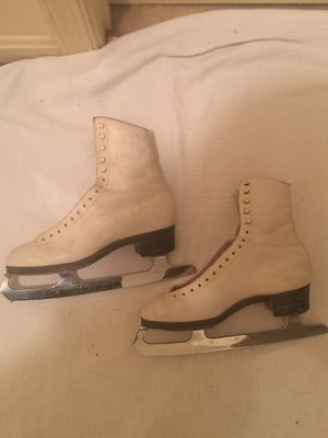 Vintage women's ice skates for Sale in Gaithersburg, MD