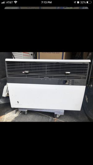 Photo Friedrich air conditioner heat and cool air
