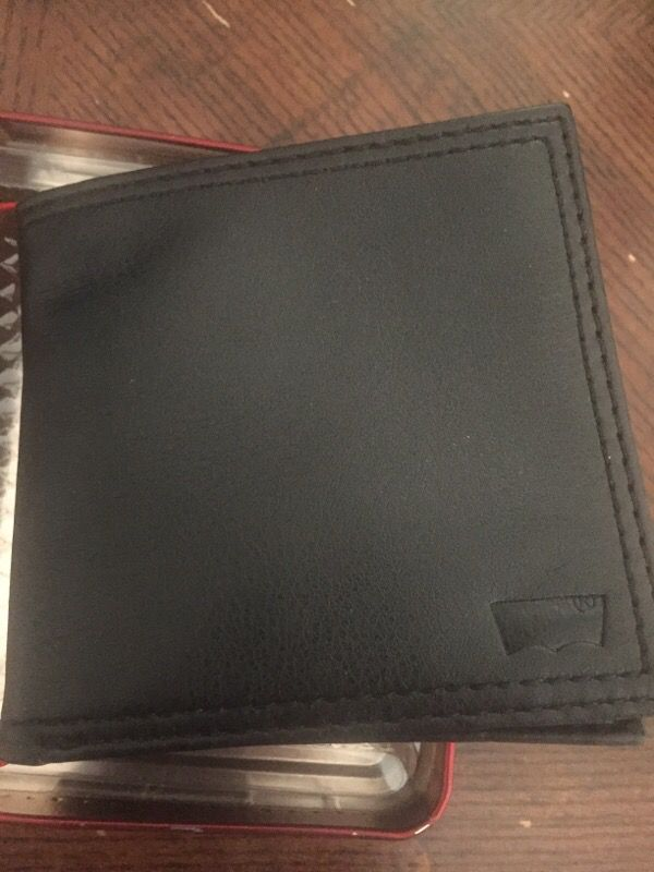 Men's Levi's wallet