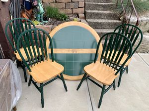 """Photo Pick up today 42"""" round kitchen dining table + 4 chairs"""