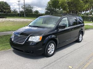 2008 CHRYSLER TOWN AND COUNTRY for Sale in Pembroke Park, FL