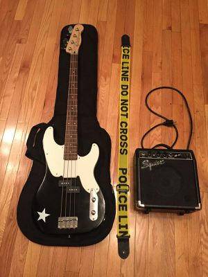 Photo Squier by Fender Mike Dirnt Precision Bass Black / White + Carry Case, Amp, and Strap
