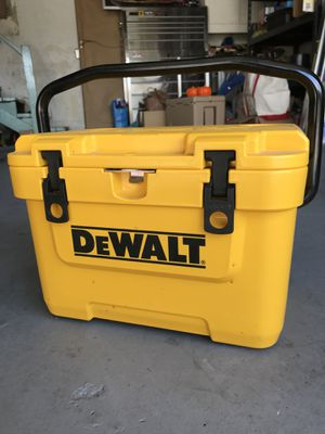Dewalt cooler for Sale in Los Angeles, CA