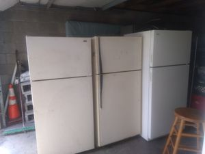 4 refrigerators for Sale in Columbus, OH