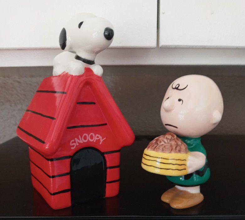 Charlie Brown Feeding Snoopy Salt & Pepper Shakers