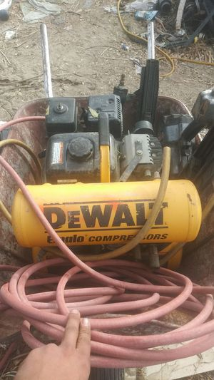 Compressor with 2 nail guns for Sale in Indio, CA
