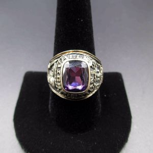 Vintage Size 10.25 1987 Valley Christian High School Class Amethyst Ring Wedding Engagement Anniversary Antique Graduation Mascot Education for Sale in Everett, WA