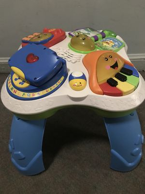 Fisher Price laugh and learn table for Sale in Arlington, VA