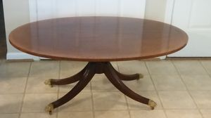 ANTIQUE COFFEE TABLE for Sale in Dumfries, VA