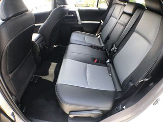 Toyota 4Runner 4x4 2018 clean title 17k millas Thumbnail