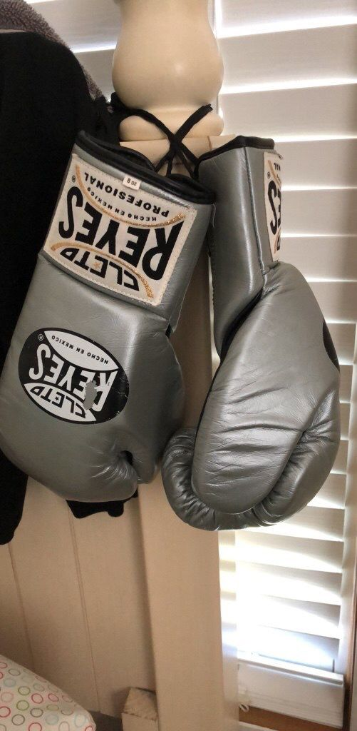 Pro Cleto Reyes boxing gloves for Sale in San Antonio, TX - OfferUp