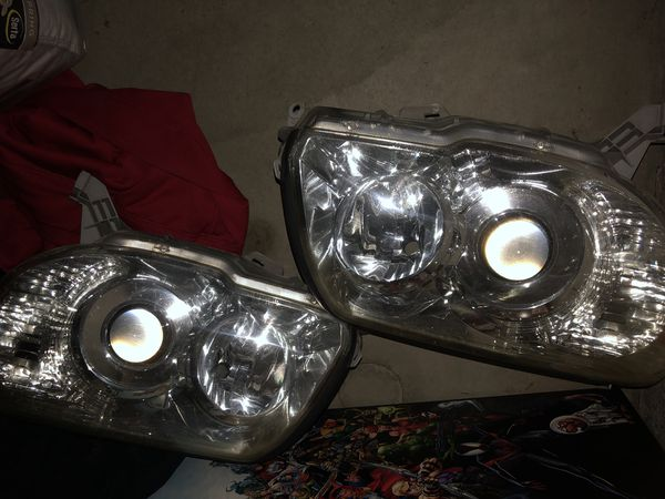 Clear 2008 Toyota 4Runner Headlights for Sale in Etiwanda, CA - OfferUp