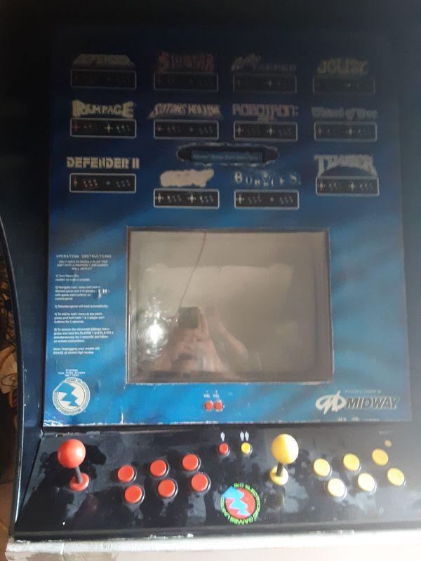 Midway 12 In 1 Home Arcade Cabinet Multicade Defender