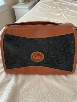Vintage Dooney and Bourke all weather leather purse Thumbnail