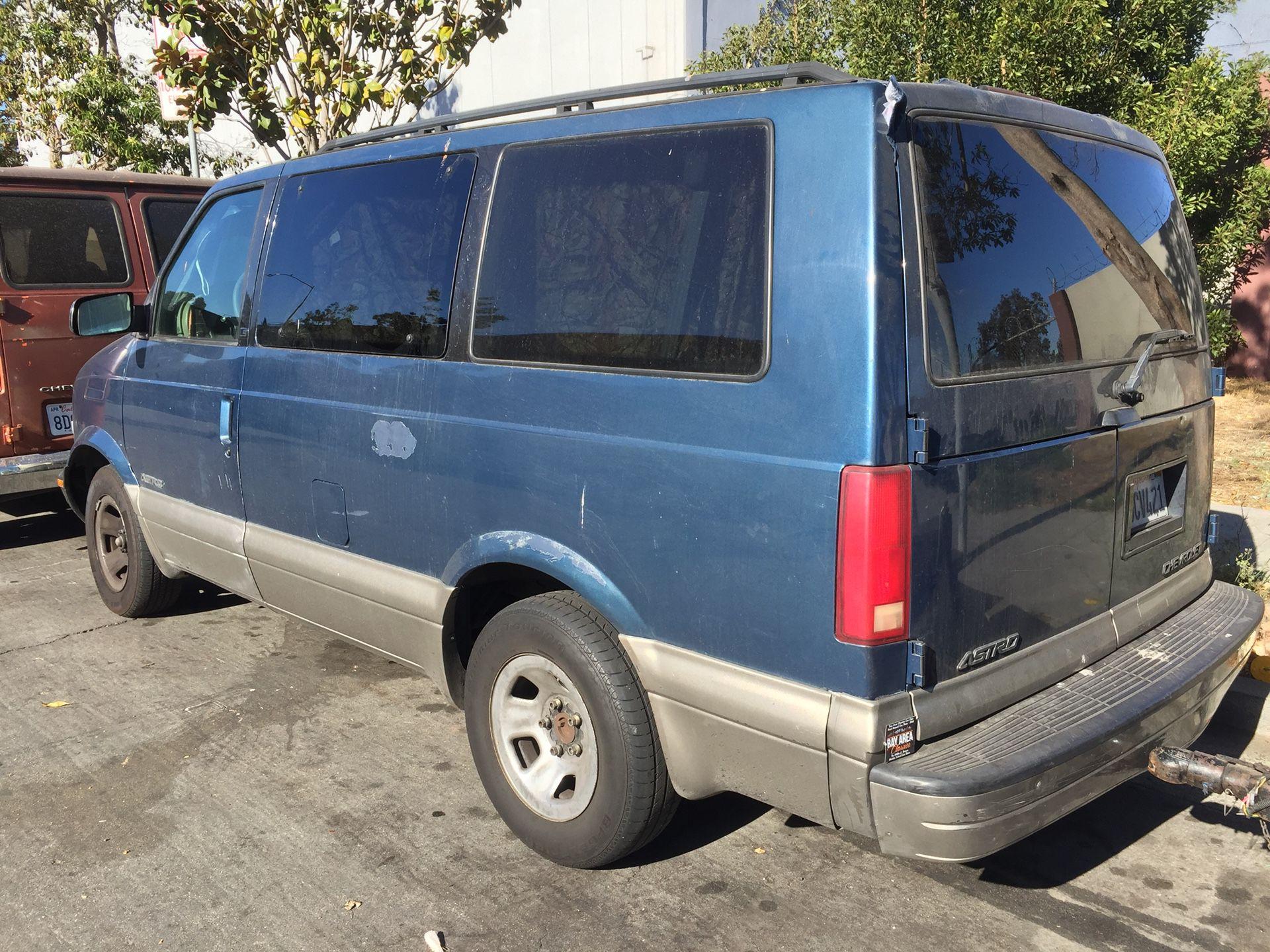2001 Chevrolet Astro Cargo