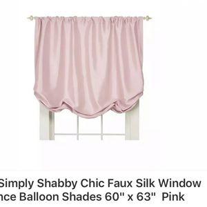 Photo Shabby Chic / Simply Shabby Chic window Shades