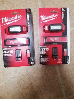 Milwaukee light Of 475 Lumens brand New  for $ 60 each. Thumbnail