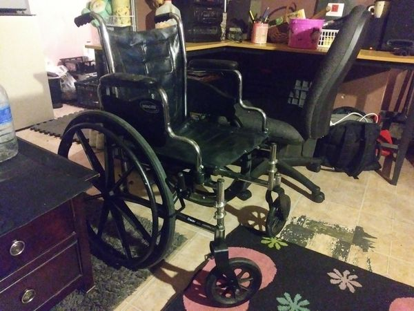 18 inch wheelchair for Sale in Louisville, KY - OfferUp