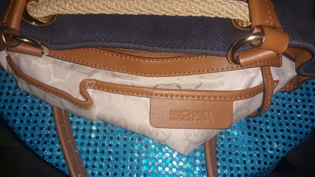AUTHENTIC Michael Kors Hobo Bag