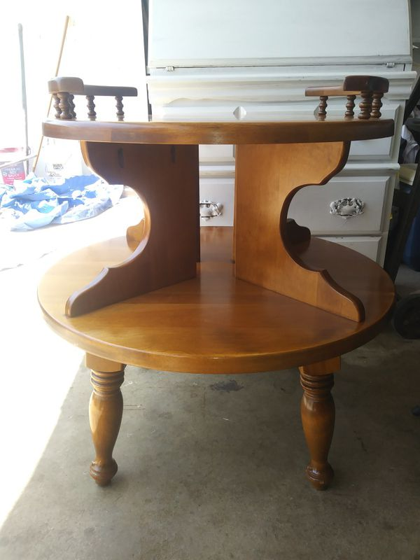 Vintage Round 2 Tier End Table For In Riverside Ca Offerup