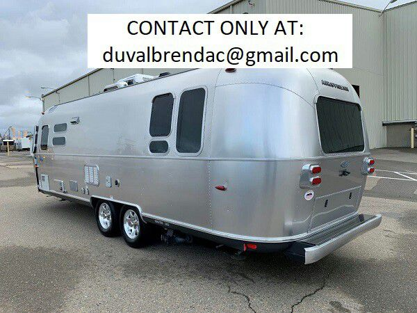 Photo jdtyt2015 Airstream Flying Cloud 28 Camping Trailer RV