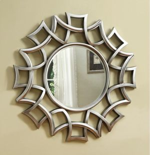 "UNIQUE ACCENT MIRROR 40""D for Sale in Medley, FL"
