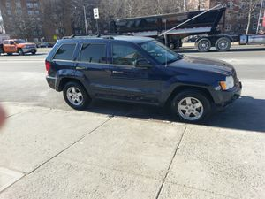 2005 jeep grand Cherokee runs excellent for Sale in Queens, NY