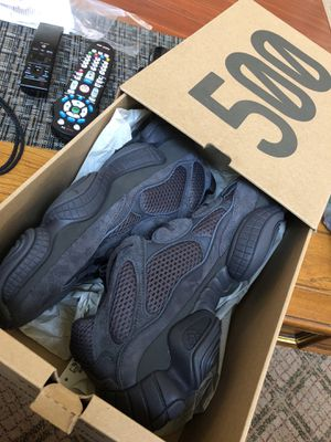 Yeezy 500 Black DS SIZE 10 for Sale in West Springfield, VA