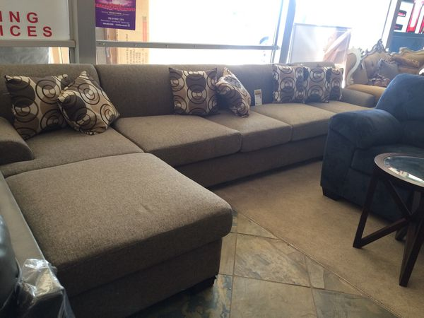 Beautiful Color Sectional Sofa for Sale in Phoenix, AZ - OfferUp