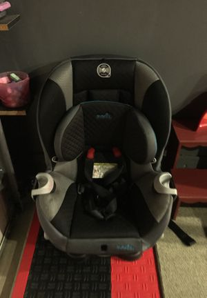 Car seat with base for Sale in Herndon, VA
