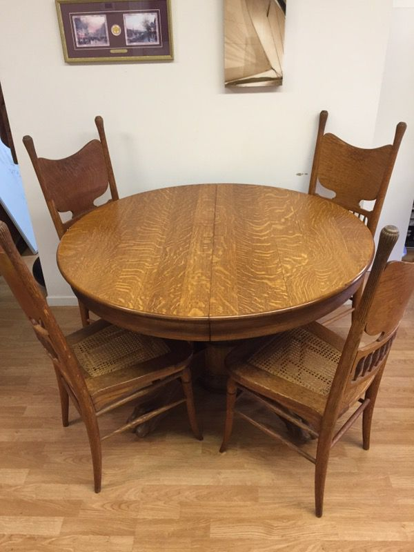 Antique Victorian Tiger Oak Round Dining Table And Chairs Circa 1900 Here Is A Nice Period Made From Tige For