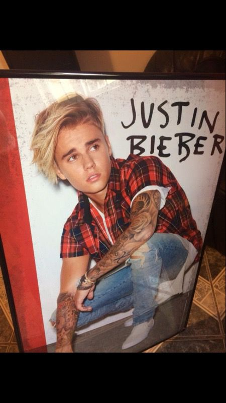 Justin Bieber framed poster (Clothing & Shoes) in Bakersfield, CA ...