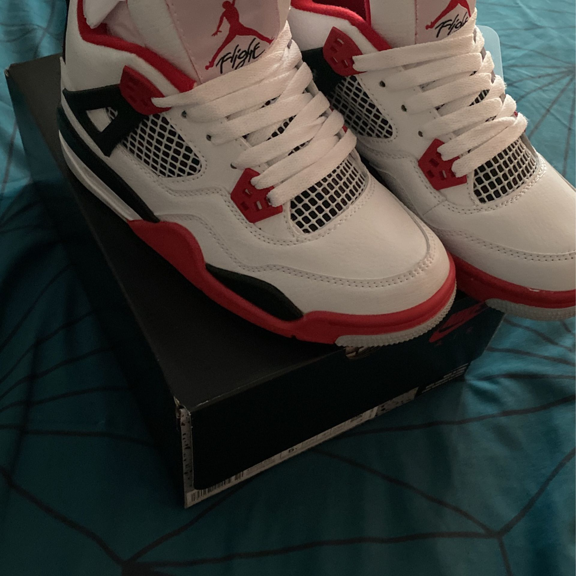 Jordan 4 White & Red