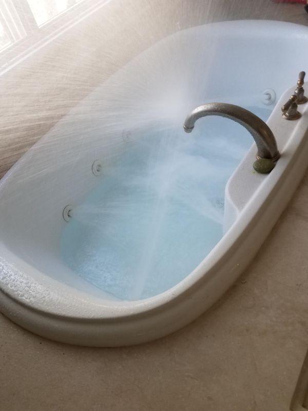 Big bathtub Very clean works good (Household) in Ontario, CA - OfferUp