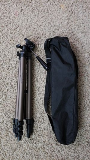 60-Inch Lightweight Tripodwith bag. for Sale in NO POTOMAC, MD