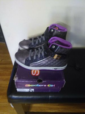 Skechers Girls size 5 for Sale in Baltimore, MD