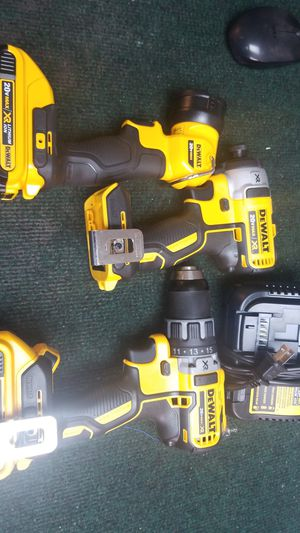 DeWalt brushless cordless drill set for Sale in Orlando, FL
