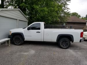 Chevy Silverado 1500 V6 4.3L Long bed for Sale in Windsor Mill, MD