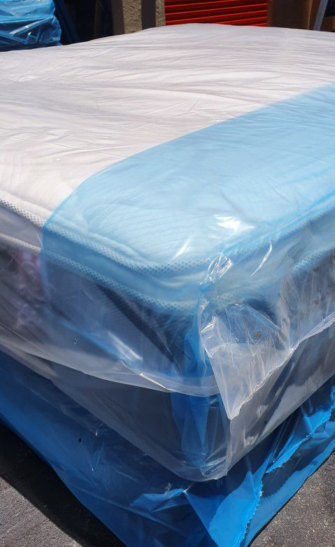 New queen mattress pillowtop and box spring BED FRAME IS NOT INCLUDED