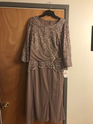 Vintage Rose color formal dress. NWT beautiful for a nice evening out or maybe for the mother of the bride.... for Sale in Denver, CO