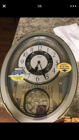 CLOCK WITH SONGS for Sale in Chillum, MD